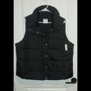 Old Navy womens puffer vest